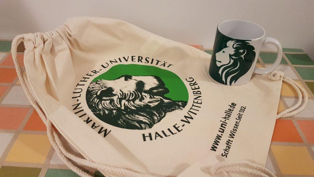 nwt12: mug and bag